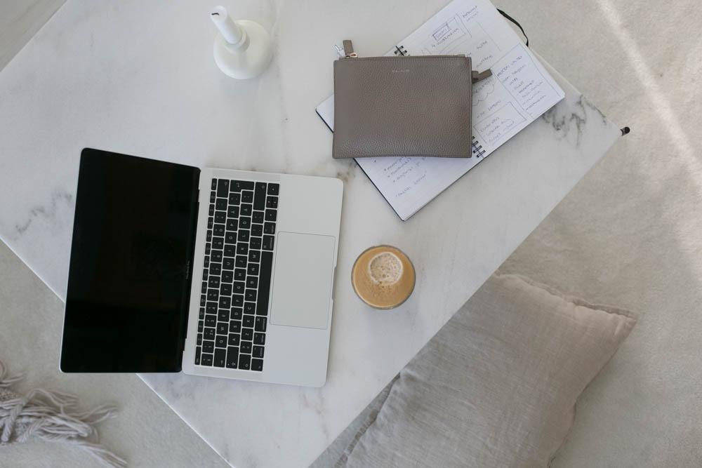 Työt kotona – 5 vinkkiä tehokkaampaan (ja hauskempaan) päivään
